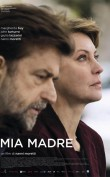 Mia madre Emisión: 19 Junio 2016 Margherita (Margherita Buy), una directora de cine políticamente comprometida, está a punto de separarse de Vittorio, un actor con el que tiene una hija adolescente. Su hermano (Nanni Moretti) decide dejar el trabajo para dedicarse a cuidar a su madre, gravemente enferma en el hospital. La enfermedad de la 'mamma' y el proceso de […]